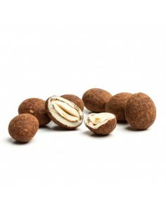 Chocolate dipped almonds with cocoa, Catalmendras